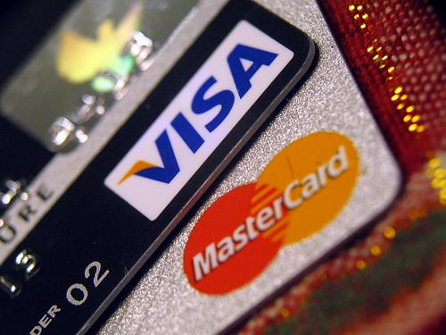 手当たり次第に申し込んだ結果、いろいろクレジットカードが到着しました