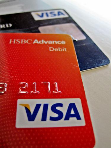 嫁とケンカした。むしゃくしゃしたのでカード申し込みした。年会費無料のクレジットカードならどれでも良かった。