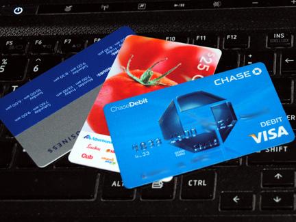 ?嫁とケンカした結果?クレジットカードが増えた!増えた!